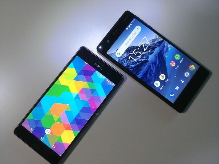Puhelin alle 300 € Nokialta tai Sonylta.