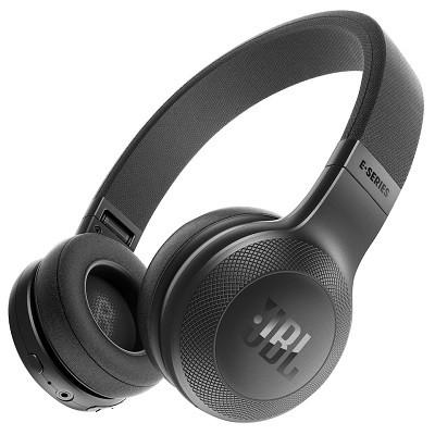 Kevyet ja langattomat JBL E45BT On-ear kuulokkeet